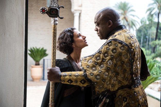Indira-Varma-as-Ellaria-Sand-and-Deobia-Opaeri-as-Areo-Hotah-in-Game-of-Thrones-S5