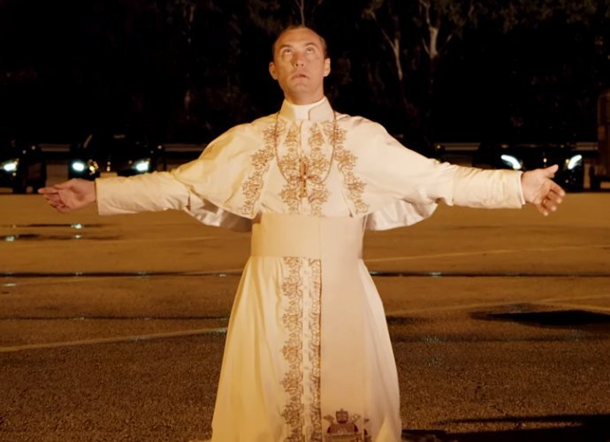 TheYoungPope_1